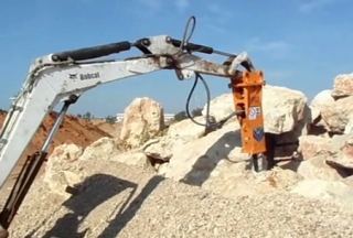 Technology Hydraulic Breaker Model T&H30 & Mini Bobcat Excavator
